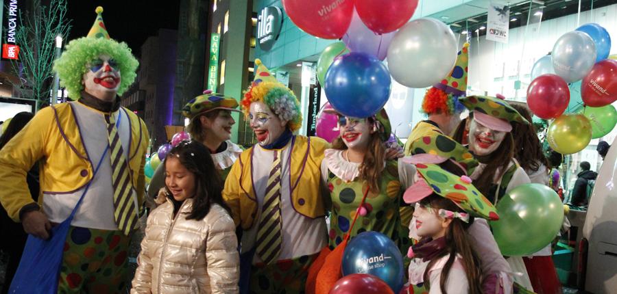 La rua de Carnaval omple els carrers de la parròquia