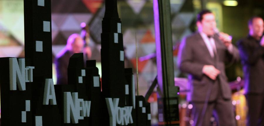 La primera Nit del món dedicada a Nova York omple la plaça Coprínceps
