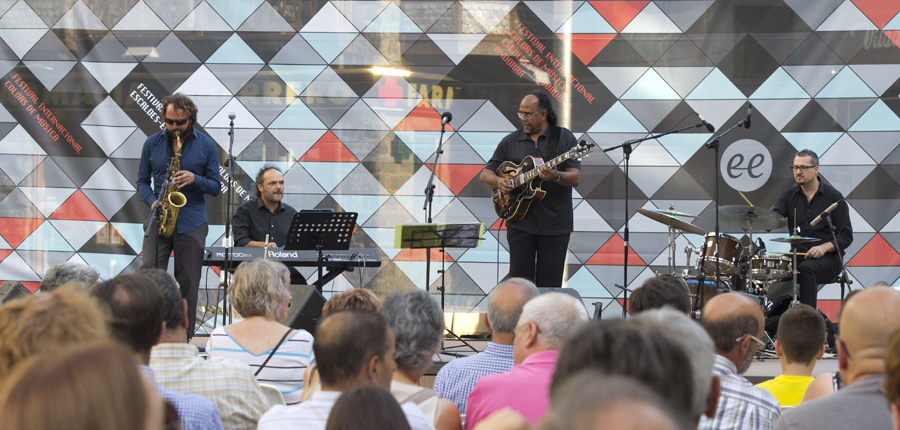 "Erwyn Seerutton ""Jazz Kréol"" obre el jazz al carrer"