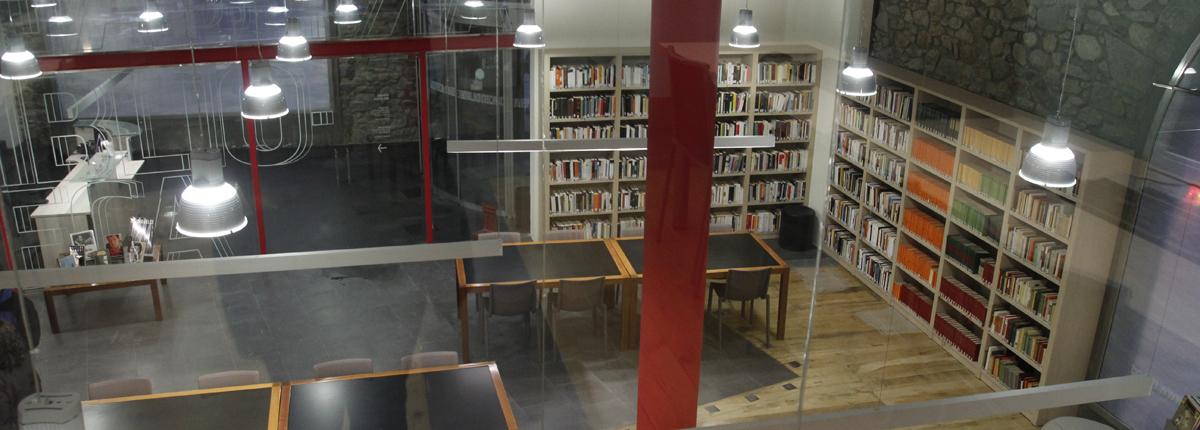 La biblioteca i el CAEE celebren el Dia internacional de la dona